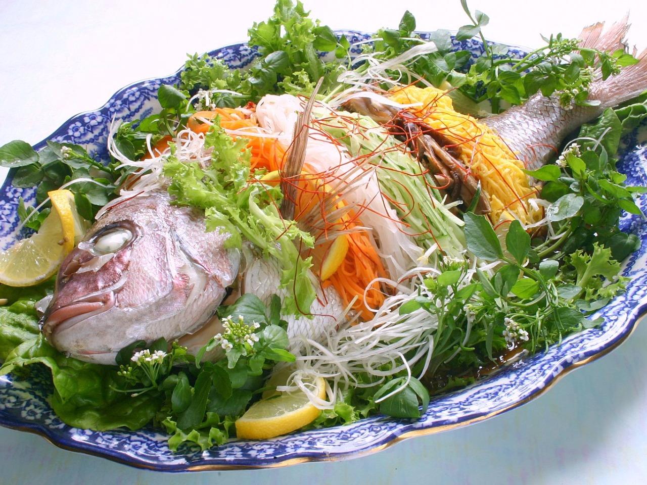宮廷料理の代表格、祝い膳に! 鯛の姿蒸し